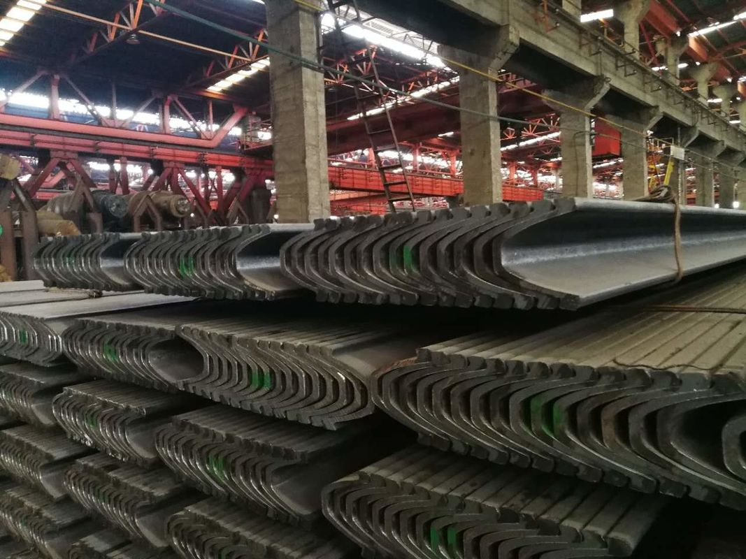 Hot Rolled U Beam Steel 20MnK / Q275 Material 122 - 171mm Outside Width